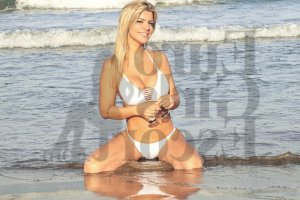 Auria live escorts in New Brighton