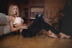 Anouska call girl & happy ending massage