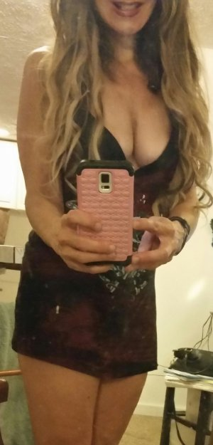 Trecy escort girls in Westerville Ohio & massage parlor
